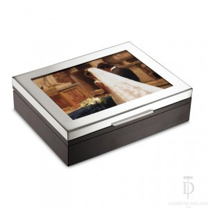 Box with photo frame